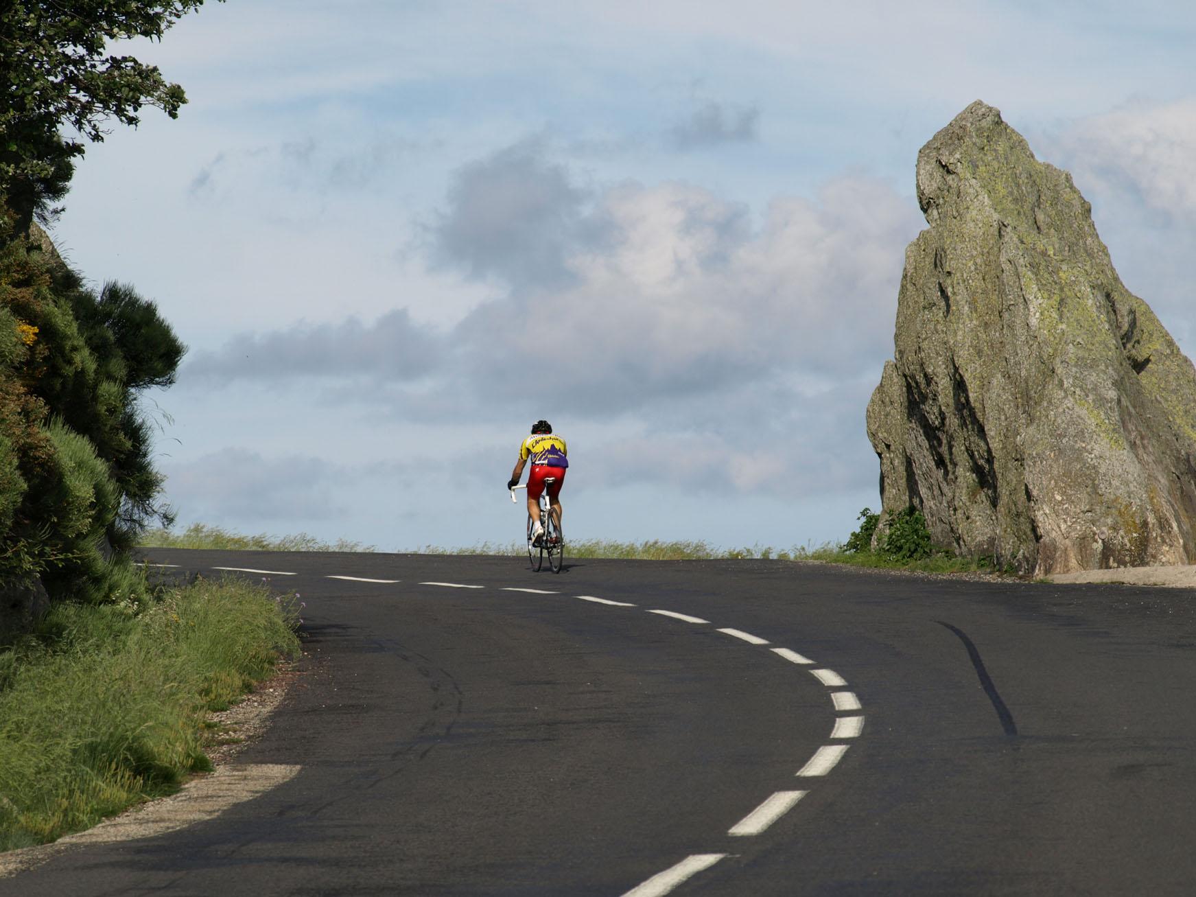 Route qui monte et qui descend 28 images andahuaylas for Bureau qui monte et descend